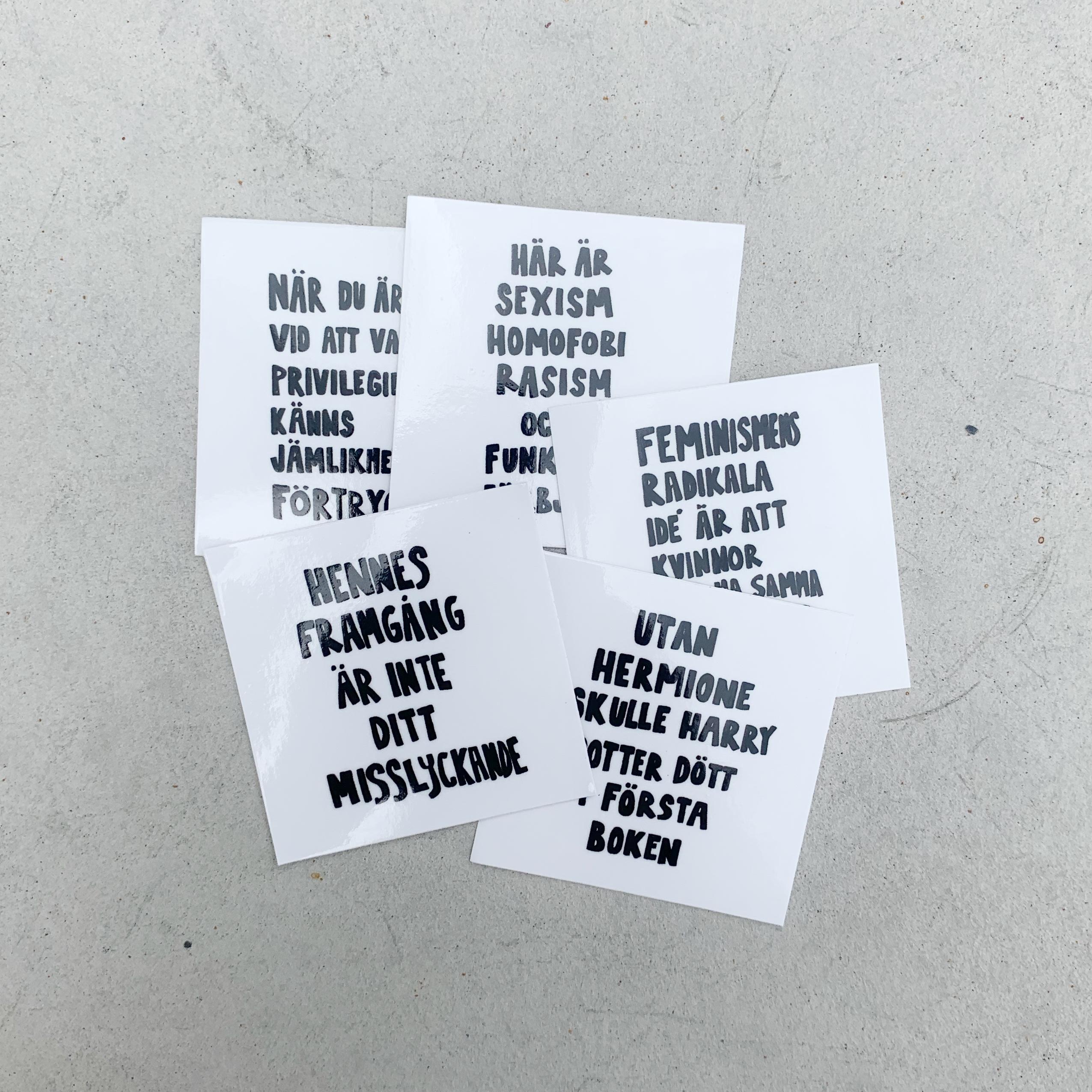 Fem klistermärken